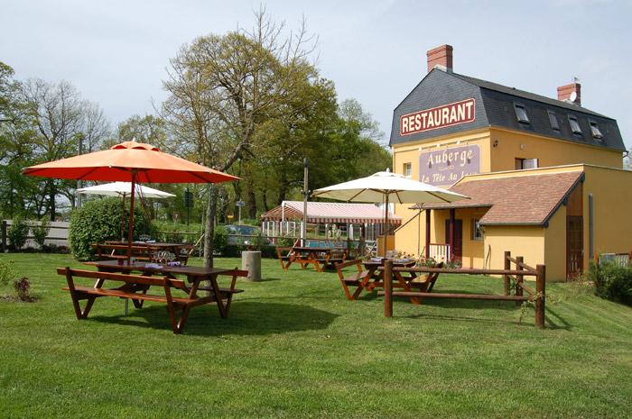 Auberge restaurant la t te au loup orne normandie 61 for Restaurant le jardin au moulleau